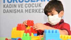 Aileler Danışmanlık Hizmeti Alıyor, Çocuklar Oyun Atölyesinde Eğleniyor
