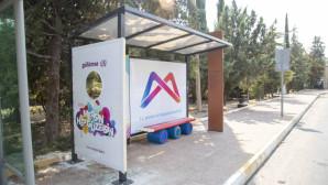 Büyükşehir İki Okulun Önüne Özel Tasarım Durak Yerleştirdi