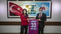 Başkan Seçer Kadın Voleybol Takımı İle Bir Araya Geldi