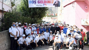 """Başkan Seçer, Yüzlerce Yurttaşla """"Cumhiyet"""" İçin Yürüdü"""