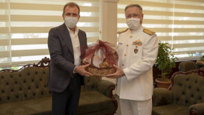 Başkan Seçer'den Tuğamiral Gidek'e Hoşgeldin Ziyareti