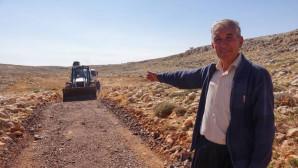 Erdemli Belediyesi Yol Bakım Çalışmalarını Sürdürüyor