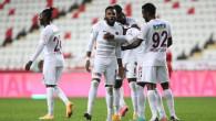 Antalyaspor'a 4 gol atan Hatayspor Boupendza, Süper Lig tarihine geçti