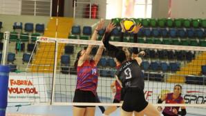 Büyükşehir Kadın Voleybol Takımı 21 Puanla Lig'de 2. Sıraya Yükseldi