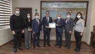 Yenilenen 'Çevre Yönetim Sistemi Belgesi' Başkan Seçer'e Sunuldu