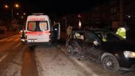 Otomobil ve Ambulans Çarpıştı! 3 Kişi Yaralandı, Hamile Kadın Ambulansta Doğum Yaptı