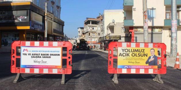 Mersin Büyükşehir'den Hal Mahallesi'ne Sıcak Asfalt Çalışması