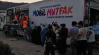 Mersin Büyükşehir'in Mobil Mutfak Tırı'nda Tencereler Selzedeler İçin Kaynıyor