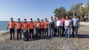 Suriye'den Denize Sızan Petrol Atıkları Erdemli'ye Vurdu