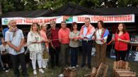 Seçer, 3. Kültürler Festivali'nde Kurulan Stantları Gezdi